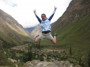 Norbert (GloboTreks) - Jumping at the Inca Trail in Peru