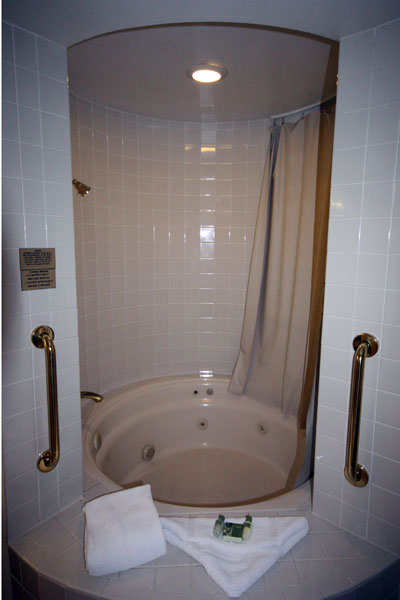 360-degree bathtub.