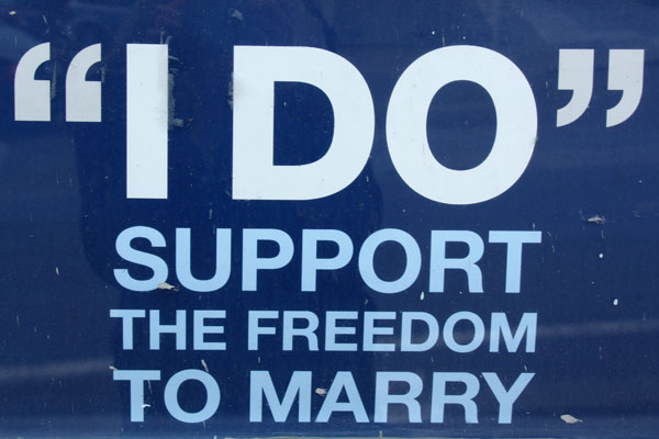 Support the freedom to marry - sign in The Castro