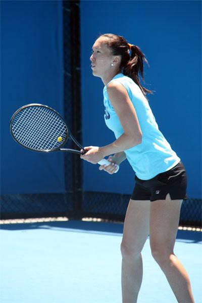Jelena Jankovic practicing