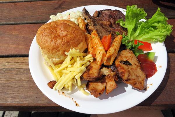BBQ Lunch on Reefworld