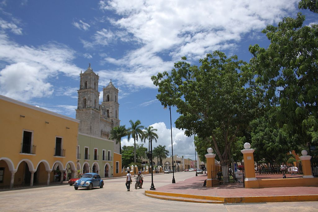 valladolid mexico cathedral and town square