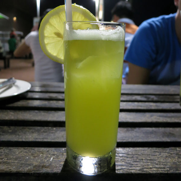 Fresh Sugarcane Juice with Lemon