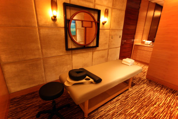 Massage Table in Straits Suite at Marina Bay Sands