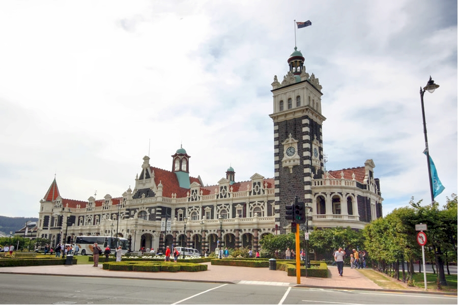The stunning Dunedin Railway Station